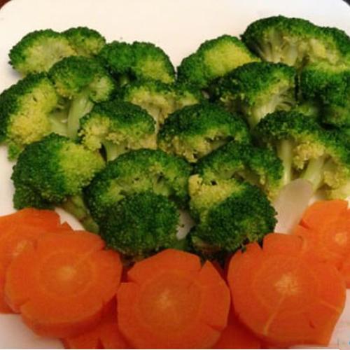 Tim lợn xào súp lơ cà rốt, món ăn thơm ngon lại còn đẹp mắt1